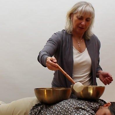 WERBUNG: Klangschalentherapie von Anette Heßler