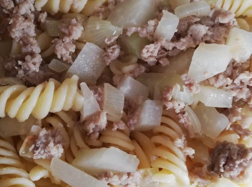 Vitalzeitrezept 6: Hackfleisch, Kohlrabi, Nudeln